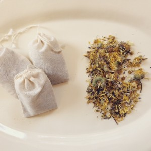 Herbal bath pouches to support your self-care routine